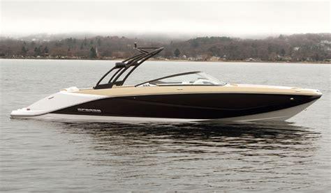 rec boat holdings scarab 255 le plus imposant jet boat de la gamme rec