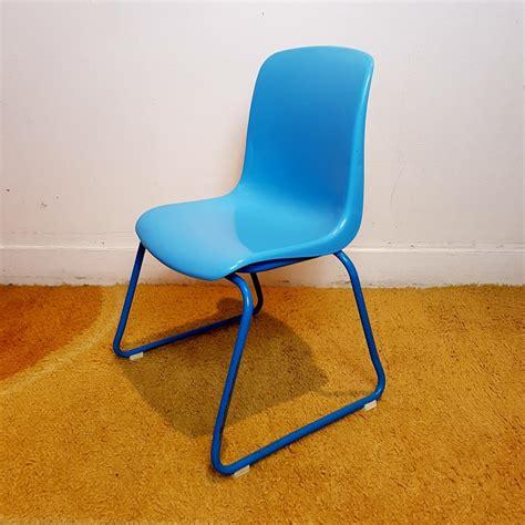 chaise enfant plastique chaise enfant vintage empilable assise plastique bleu le