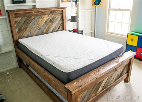 pallet bed plans farmhouse pallet bed with rolling trundle infarrantly