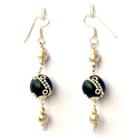 Handmade Earing - handmade earrings black with metal rings
