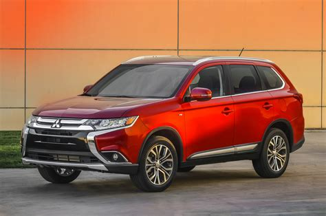 mitsubishi suv outlander 2016 2016 mitsubishi outlander first look photo gallery motor