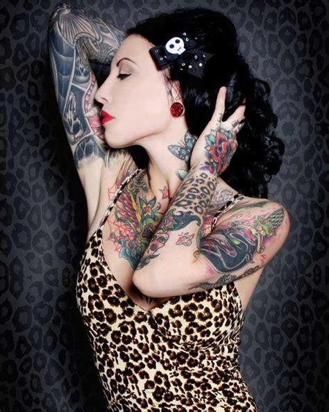 tattoo old school bras femme tatouage femme les tendances du tatouage f 233 minin