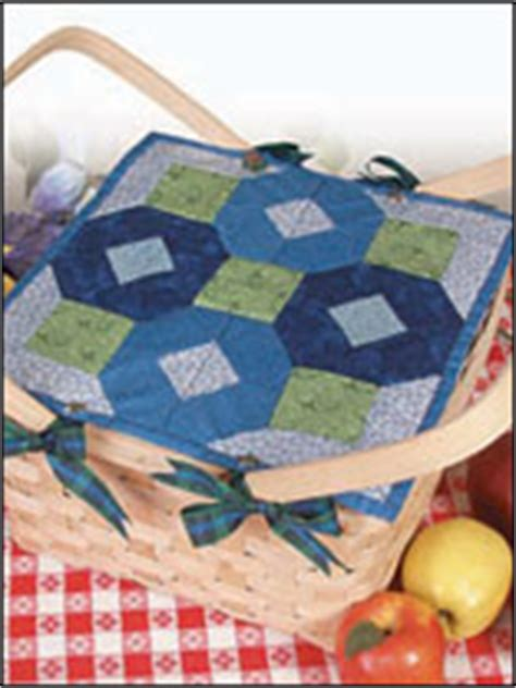 quilt pattern little zz quilted octagon table topper pattern free quilt pattern