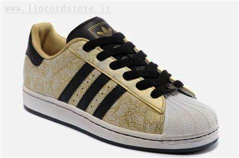 Sepatu Adidas Superstar Color adidas uomo superstar ii oro nere nere f18 harga sepatu