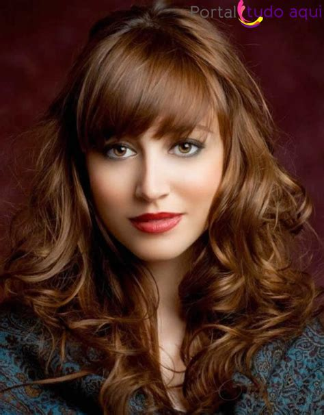 menina charmosa cabelo feminino cores cortes e