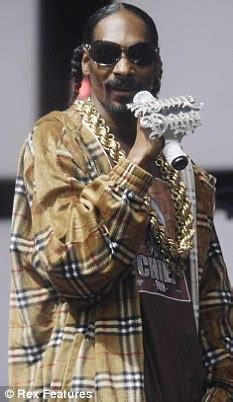 Uk To Snoop Dogg No Visa For You by Rap Snoop Dogg Wins 3 Year Human Rights Battle To