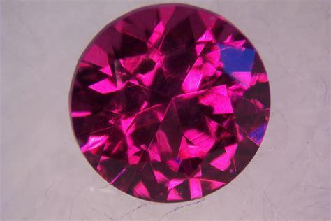 Gemstone L gem garnet the gemhunter s guide to finding gem garnets