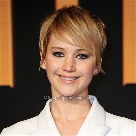 jennifer lawrence with curling iron jennifer lawrence curling iron pic