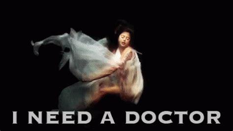 eminem i need a doctor i need a doctor gif doctor eminem drdre discover