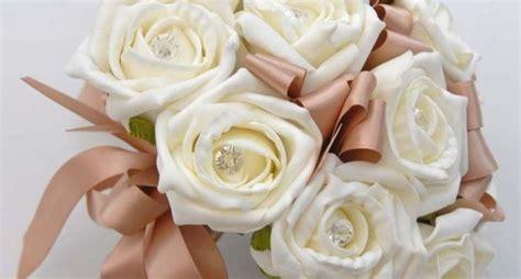 fiori con nastri come fare fiori con un nastro bricolage realizzare
