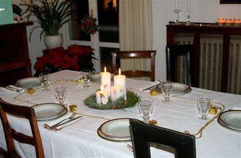 tavola apparecchiata per capodanno decorazioni e tavola per capodanno arredamente
