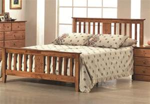 Bed Wood Frame New 4ft6 Shaker White Pertley Solid Wood Traditional Shaker Style Bed Frame