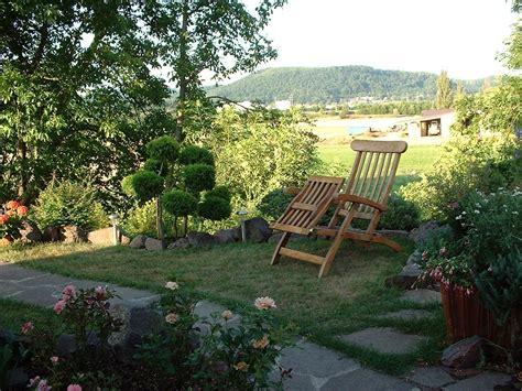 imagenes regando jardines m 225 s fondos de pantalla de jardines fondos de paisajes