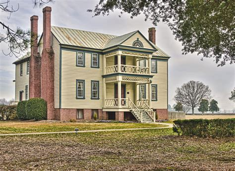 southern plantation house old southern plantation house hdr creme