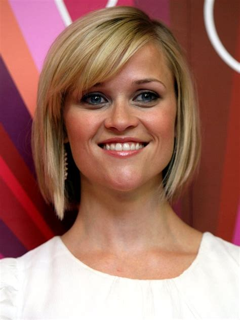 shoulder sweeping bob hair pics reese witherspoon angled bob side swept bangs haircut