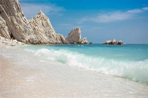 vacanze marche mare conero tra mare e sole piccolo delle marche tgcom24