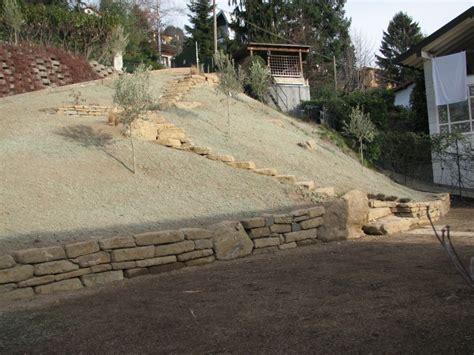 muretti in pietra per giardini i nostri lavori per giardini aiuole erbacee perenni