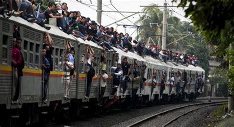 L4859 Info Libur Tahun Baru Imlek 2016 Kode Pl4859 angkutan lebaran pt sediakan kereta api tambahan tempo ramadan