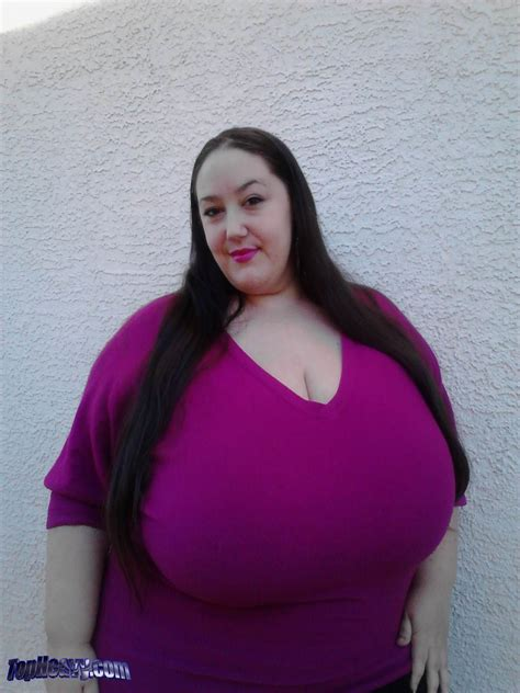 heavy bobs topheavy breasts sports glass ga