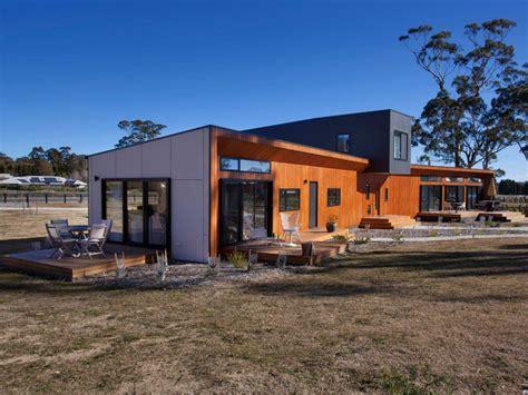 a multi generational home shaped like a bird realestate