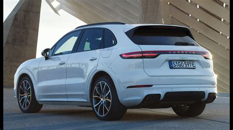 Ma E Porsche Cayenne by Porsche Cayenne E Hybrid 2019 First Look Youtube