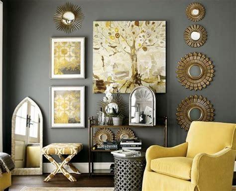how to decorate a wall oglinzi de perete pentru un living cu decor inedit
