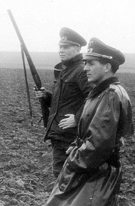 Pin em ทหารเยอรมัน