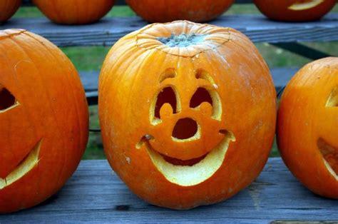 simple pumpkin faces o lantern carving made easy perfecting you pumpkin