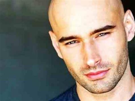 percentage of men balding are bald men attractive to women bellatory