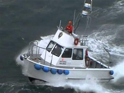 big waves boat video boat buyers beware of storm damaged boats doovi