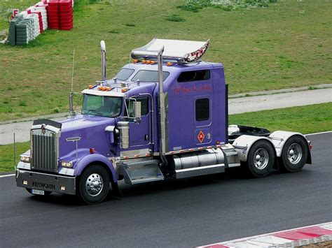 kenworth w900 kenworth w900 photos photogallery with 20 pics carsbase com