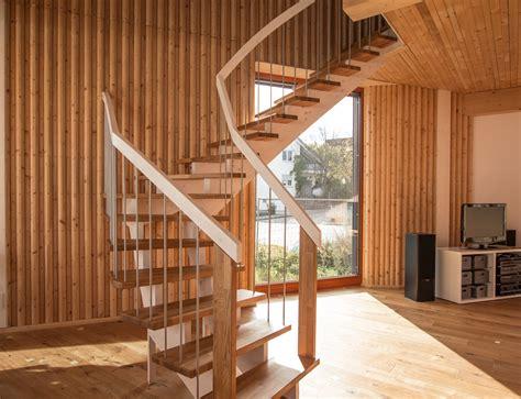 Treppe Edelstahlgeländer by Aufgesattelte Treppe Aus Holz Holzmanufaktur Ballert