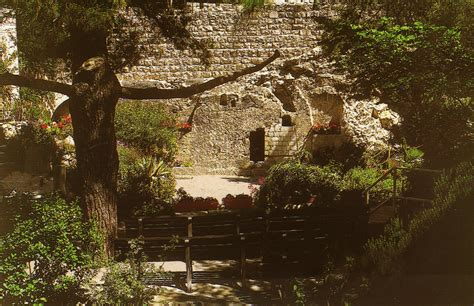 golgotha  protestant site   garden tomb bread