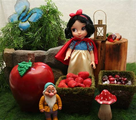 Snow White Decorations by Snow White Birthday Ideas Photo 12 Of 13 Catch