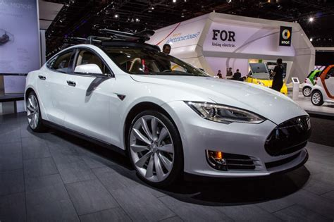 Tesla Auto Show 2015 Tesla Model S P85d Electrifies The 2015 Detroit Auto Show
