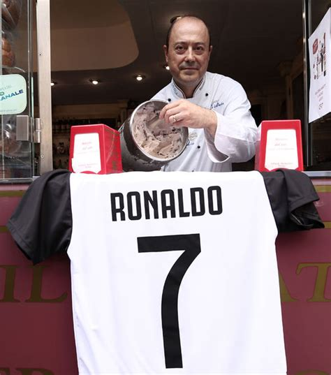 ronaldo 7 juventus napoli cristiano ronaldo napoli rejected real madrid deal before juve move football sport