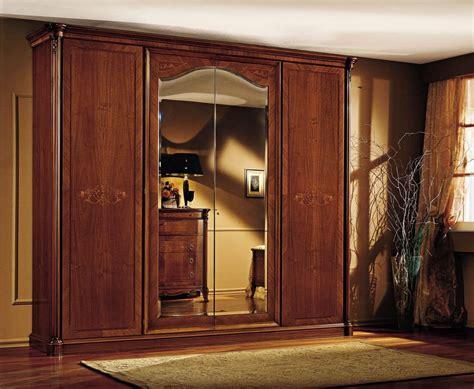 luxus kleiderschrank luxus kleiderschrank in echtholz nussbaum mit