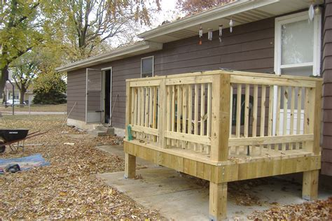 Small Decks And Patios Pictures small backyard decks patios 2017 2018 best cars reviews
