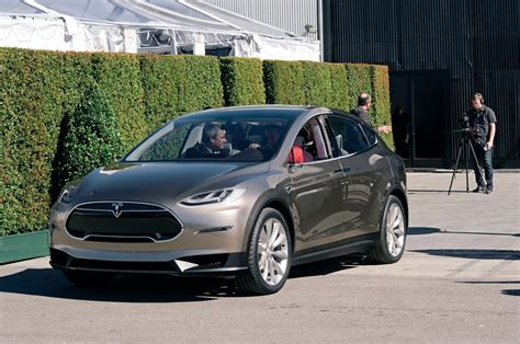 2016 tesla model x has a driving range of up to 257