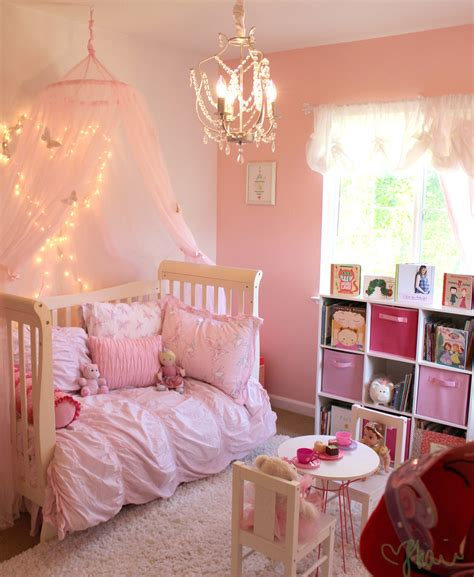 kleinkind schlafzimmer pink princess butterfly room for popsugar