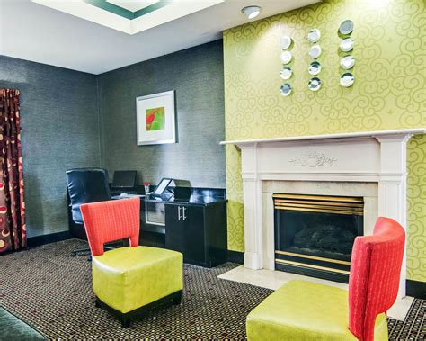 comfort suites roanoke va comfort suites at ridgewood farm in roanoke hotel rates