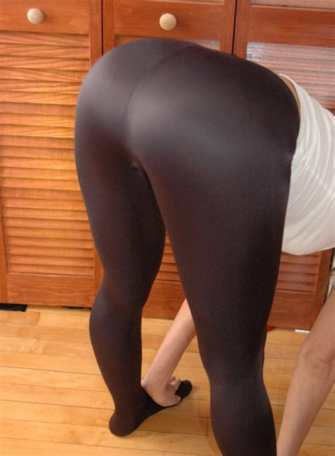 pirate hot girls  yoga pants