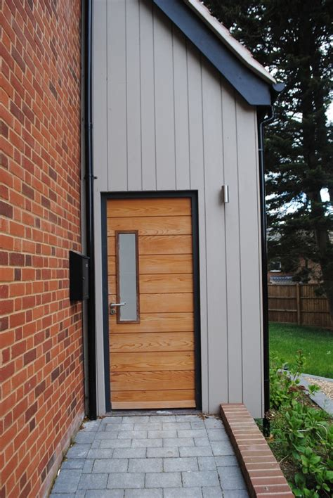 Narrow Exterior Doors Refresh Your Entryway With These Colonial Front Door Collections Homesfeed