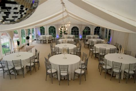 wedding venues marquee marquee hire for your wedding reception confetti co uk