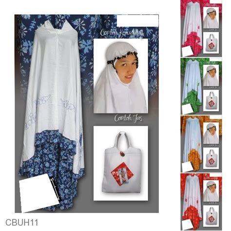 Mukena Kombinasi Batik mukena batik santhung motif batik sogan warna mukena