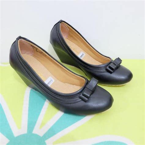 Sepatu Wanita Kickers Kulit 36 37 jual sepatu wedges cewek pantofel kerja kantor wanita cek