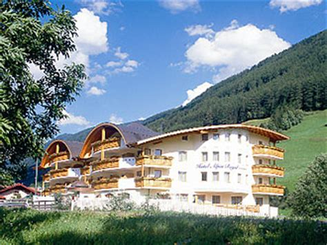 hutte royale resorts suedtirol de urlaub bei alpin royal wellness resort