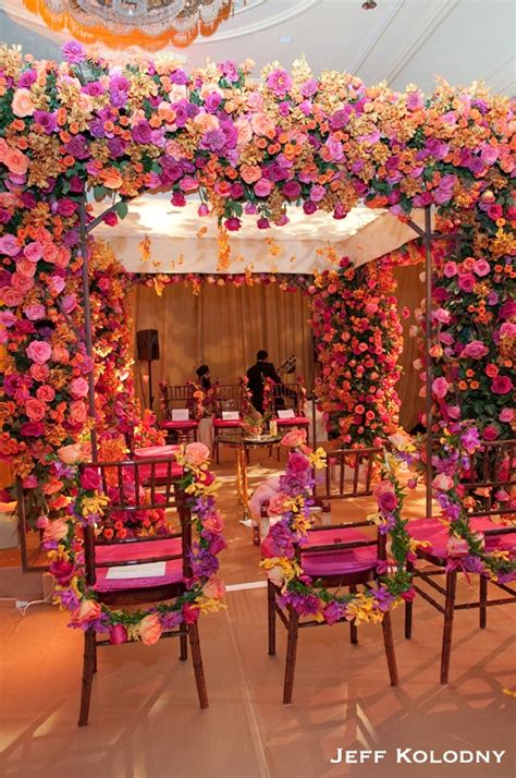 Floral Decoration For Indian Wedding by 25 Best Ideas About Indian Wedding Flowers On