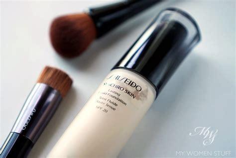 Shiseido Liquid Foundation review swatches shiseido synchro skin lasting liquid