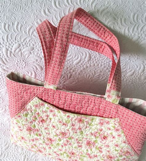 Quilted Purses To Make by 17 Best Ideas About Quilted Tote Bags On Easy